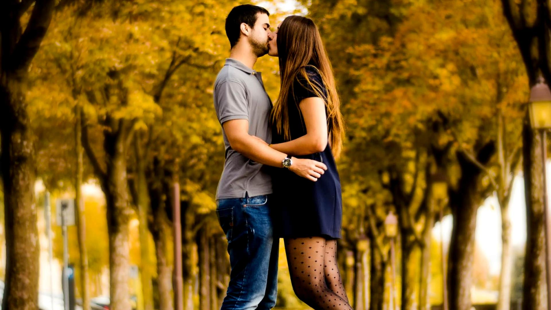 Love Kiss HD Wallpapers Free Download