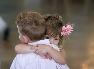 Lovely Hug Wallpaper