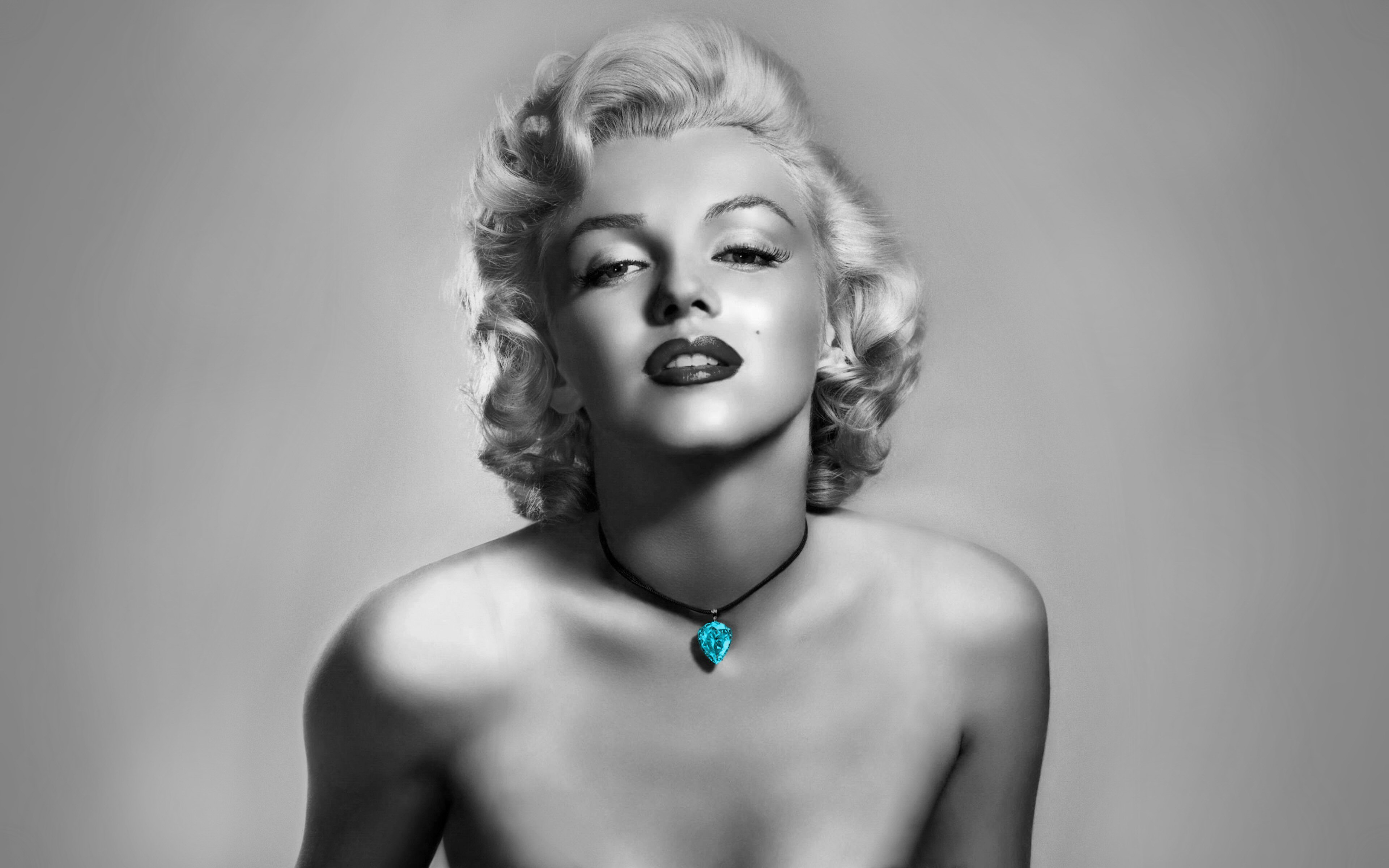 Marilyn Monroe Black And White Wallpaper
