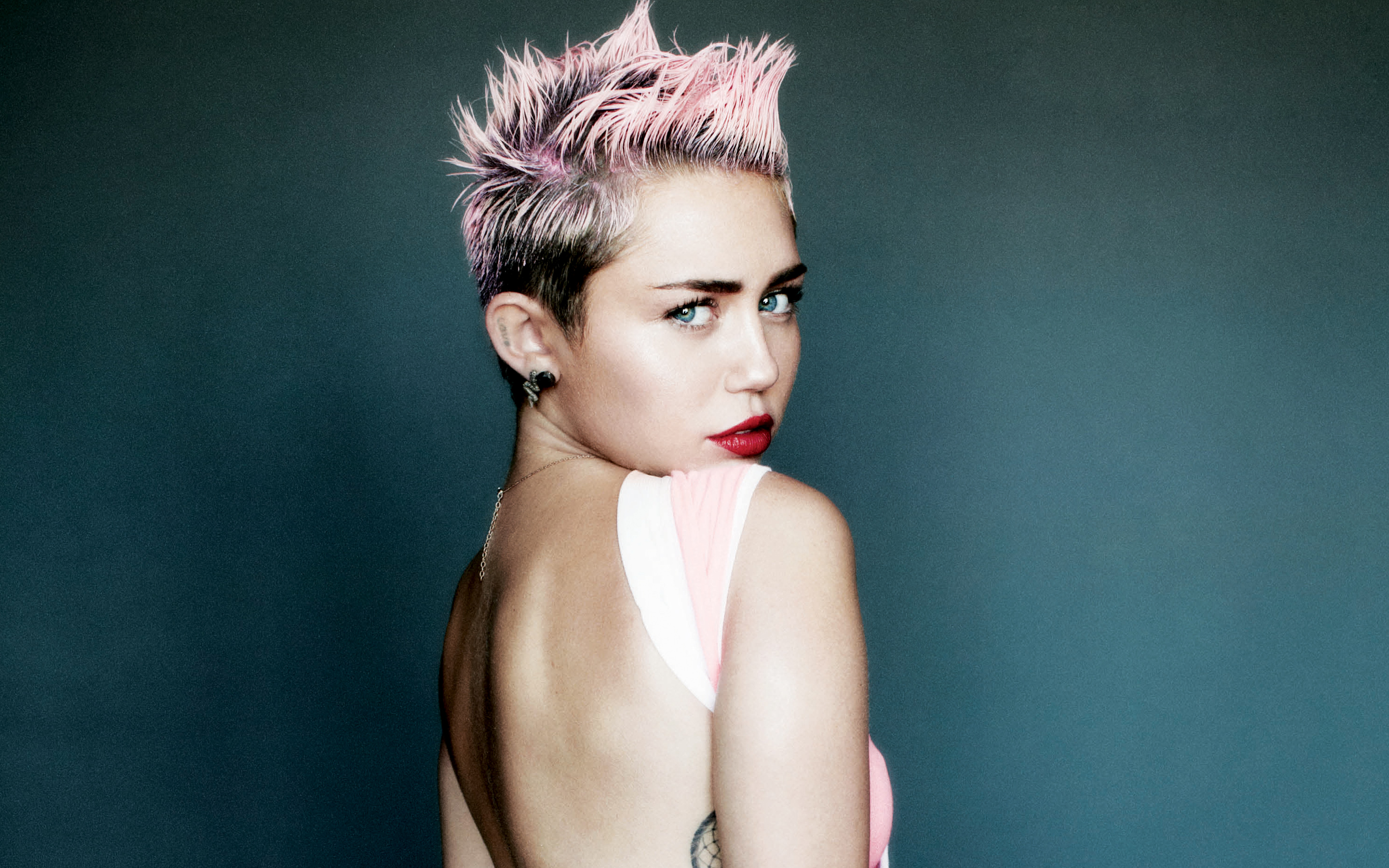 Miley Cyrus+Wallpaper