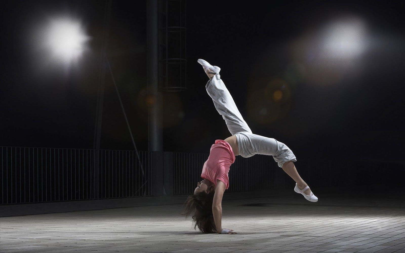 Modern Dance Wallpaper