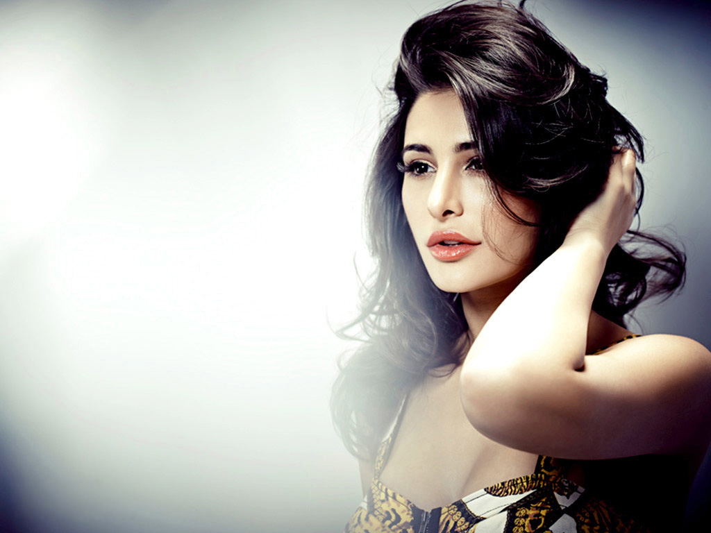 Nargis Fakhri Full HD Wallpaper