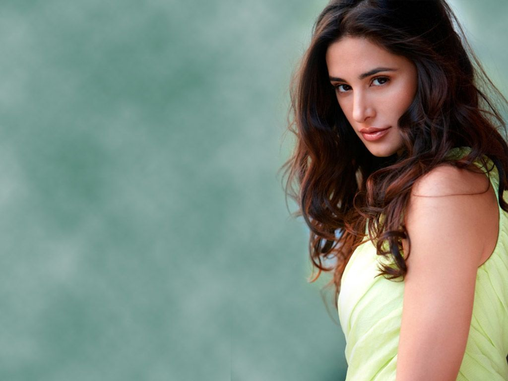 Nargis Fakhri HD Wallpapers Download