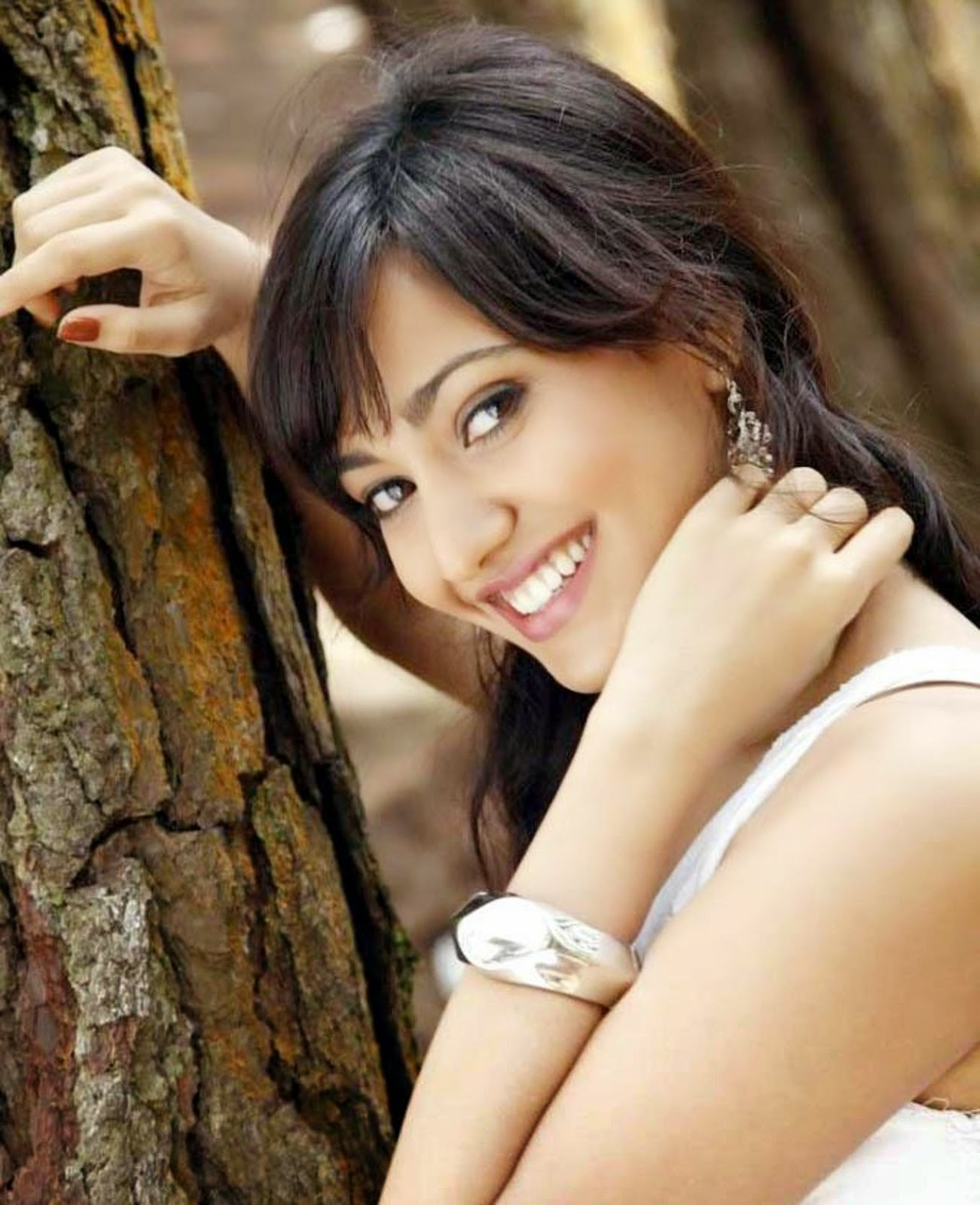 Neha Sharma Wallpaper Download