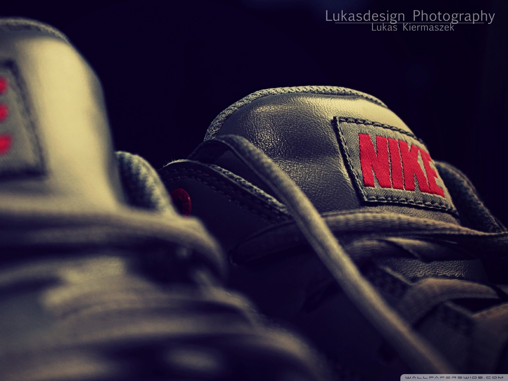 Nike Shoes HD Wallpaper