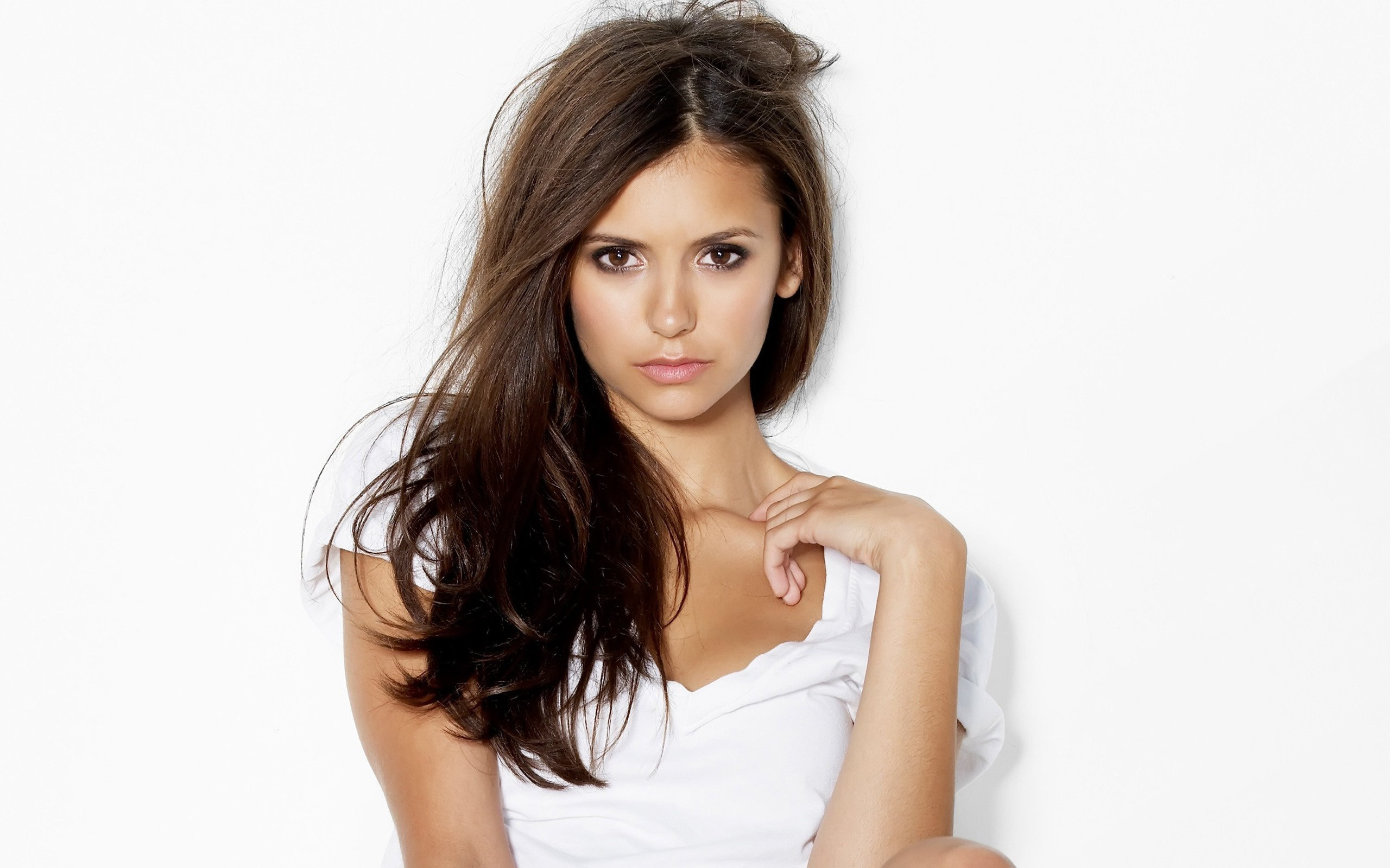Nina Dobrev Wallpapers