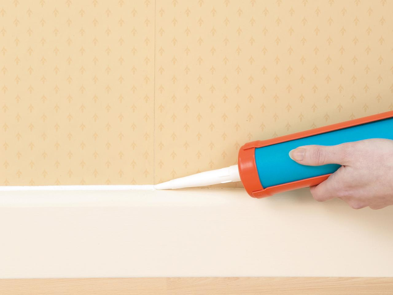Painting Wallpaper Seams
