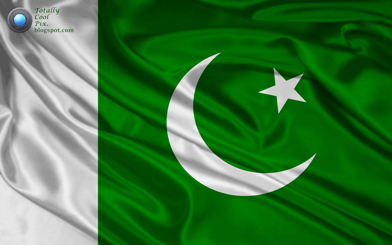 Pakistani Flag Pic Wallpaper