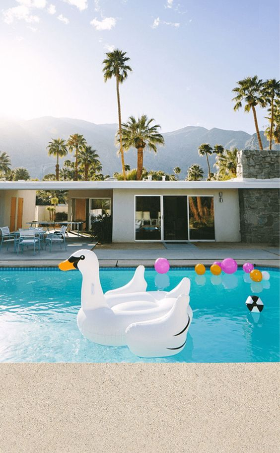 Palm Springs Wallpaper