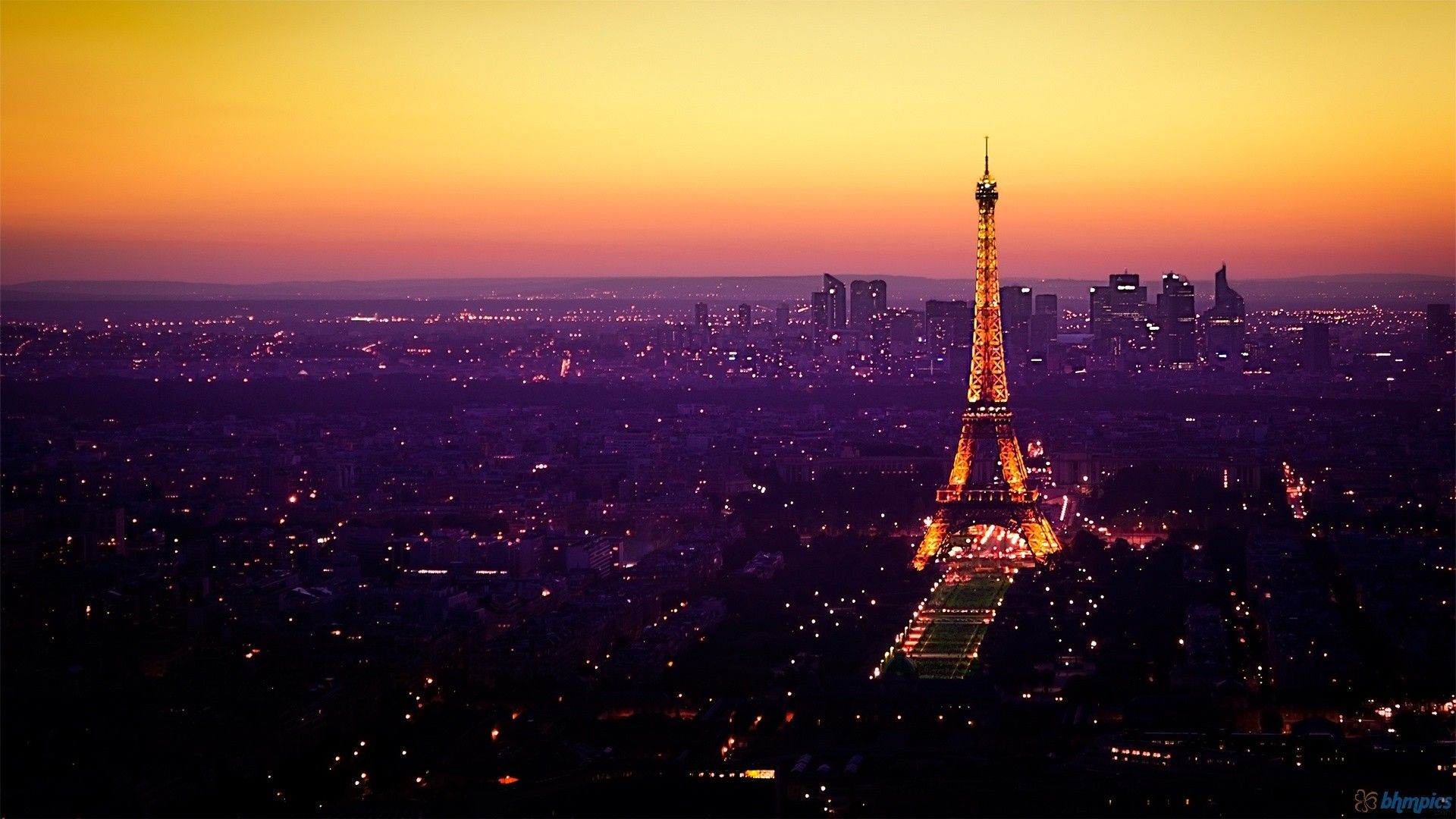 Paris At Night Wallpaper