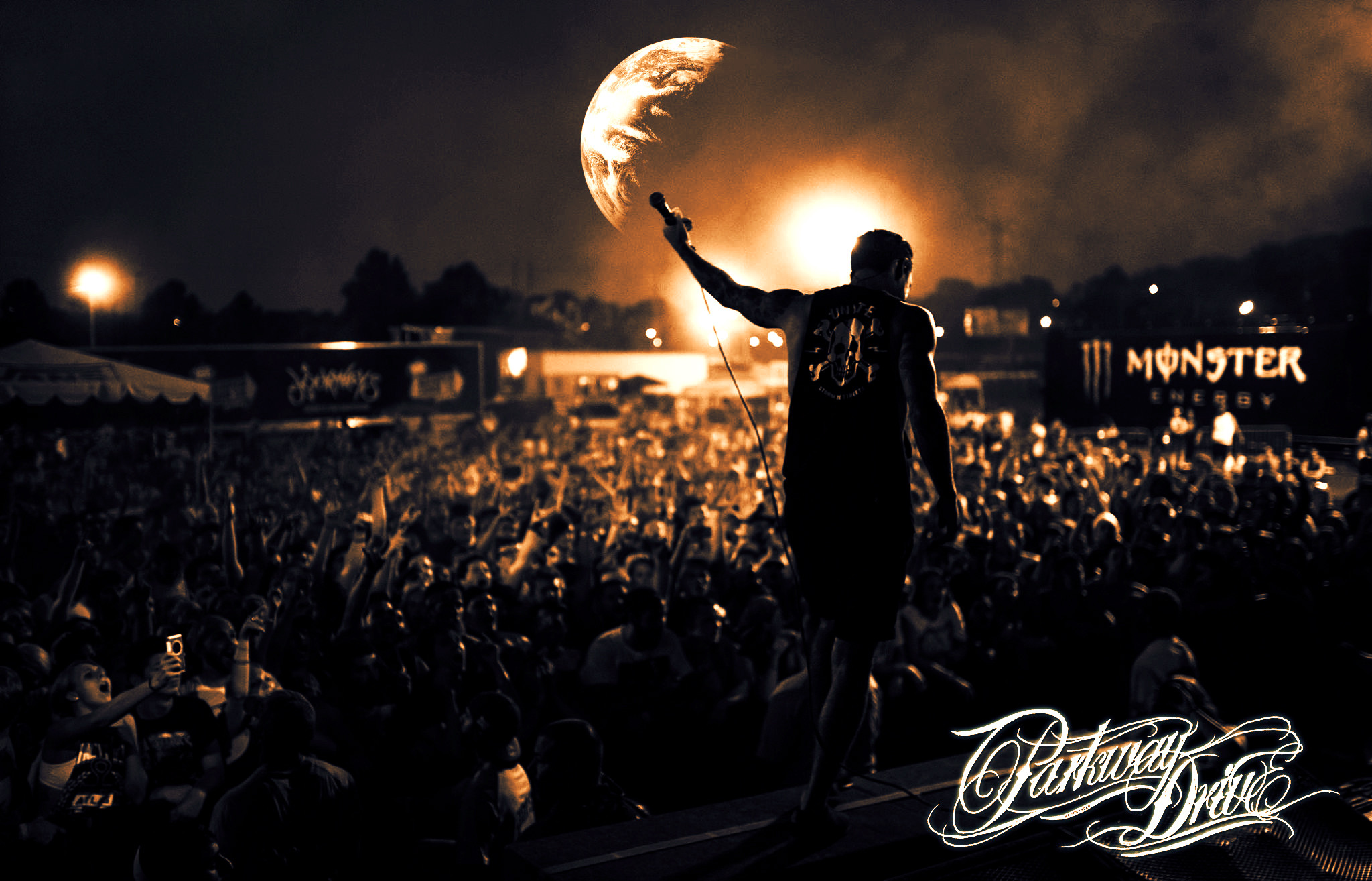 Download Parkway Drive...