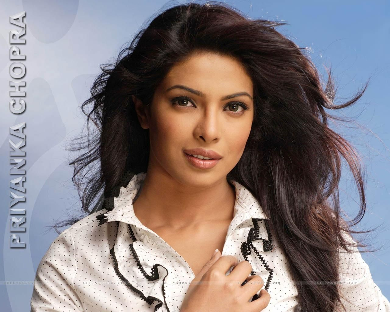 Priyanka Chopra Wallpapers Free Download