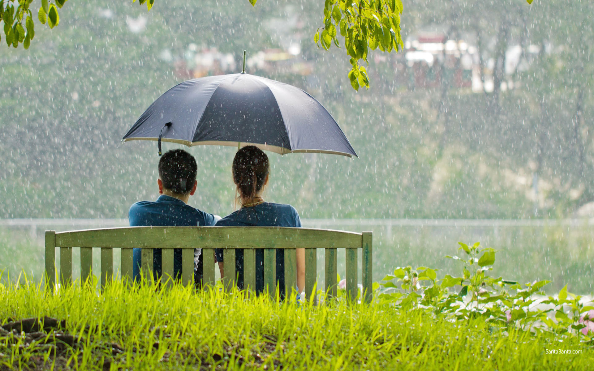 Rainy Day Couple Wallpaper