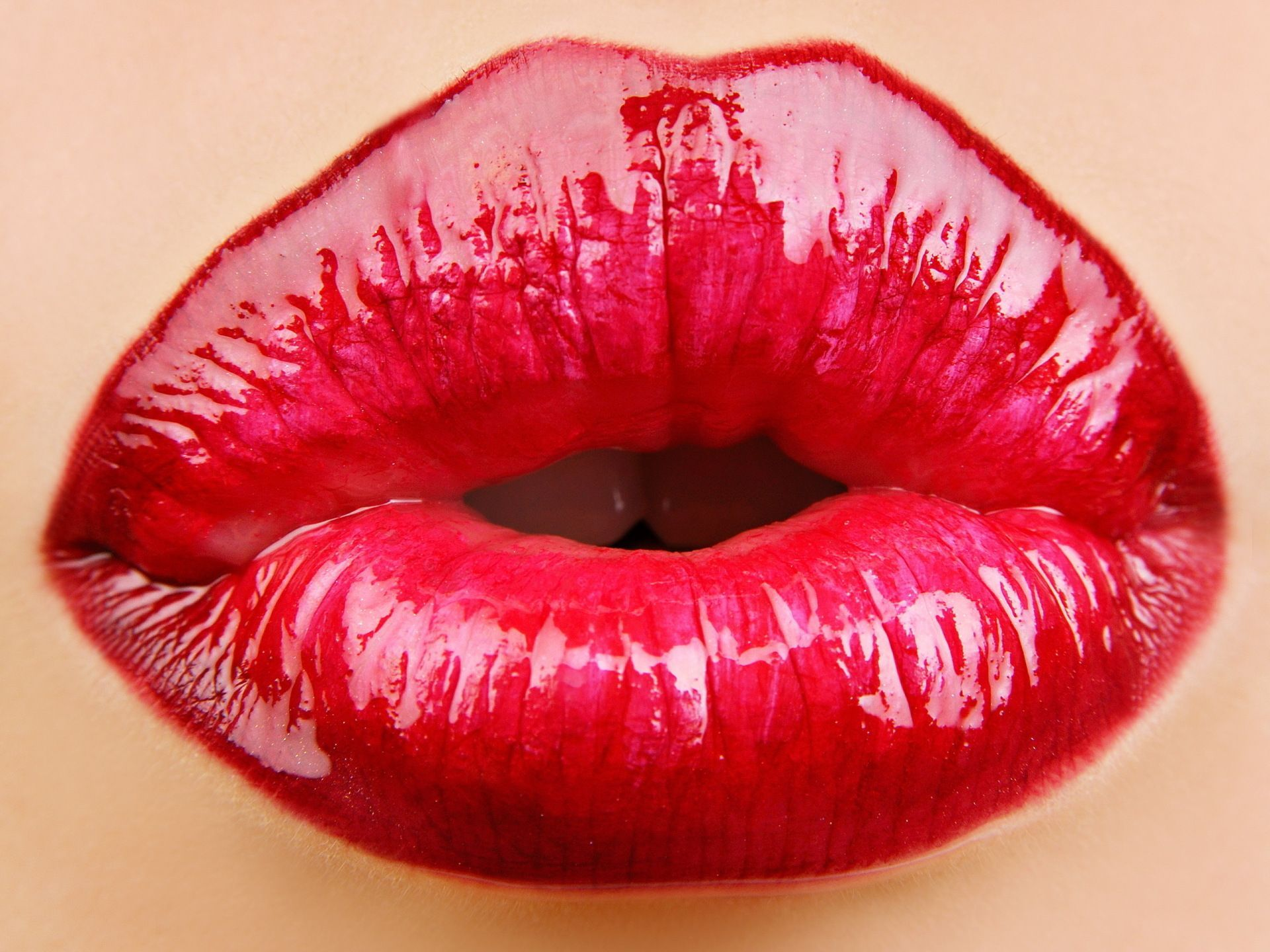 Red Lips Wallpapers