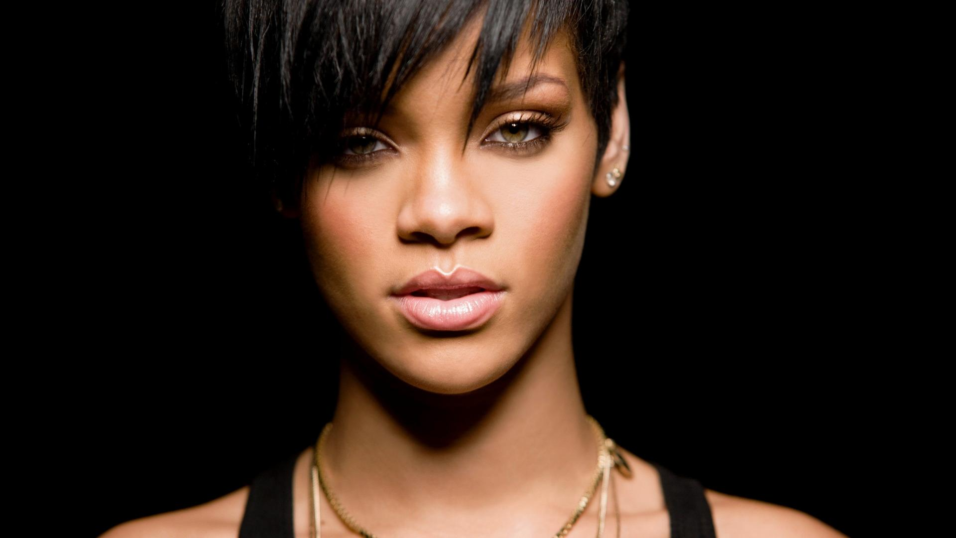 Rihanna Full HD Wallpapers