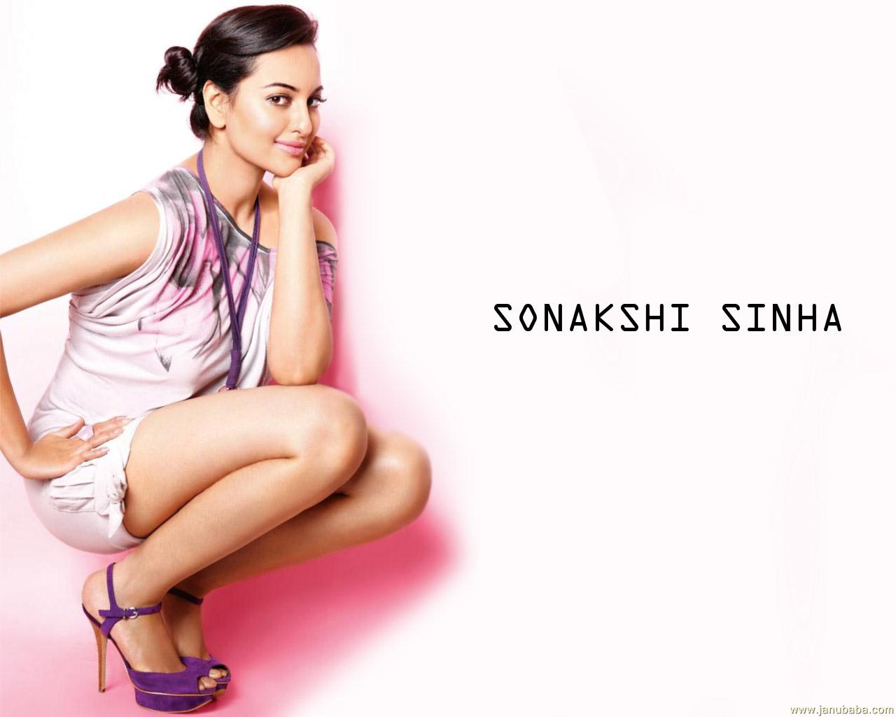 Santa Banta Sonakshi Sinha Wallpapers
