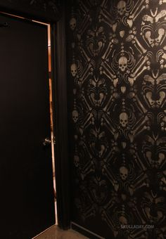 Skull Room Wallpaper