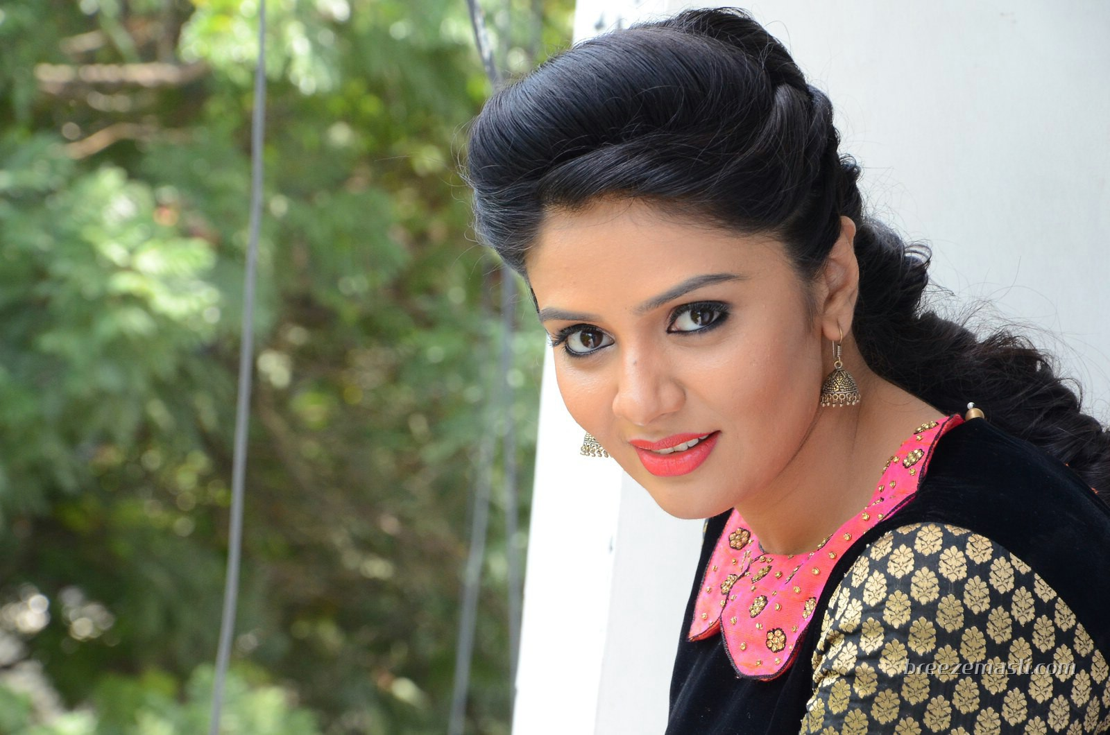 Download South Actress Hd Wallpaper Gallery