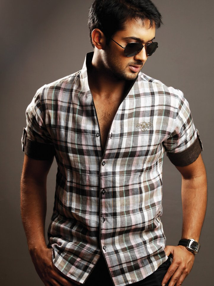 Download South Indian Heroes Wallpapers Gallery