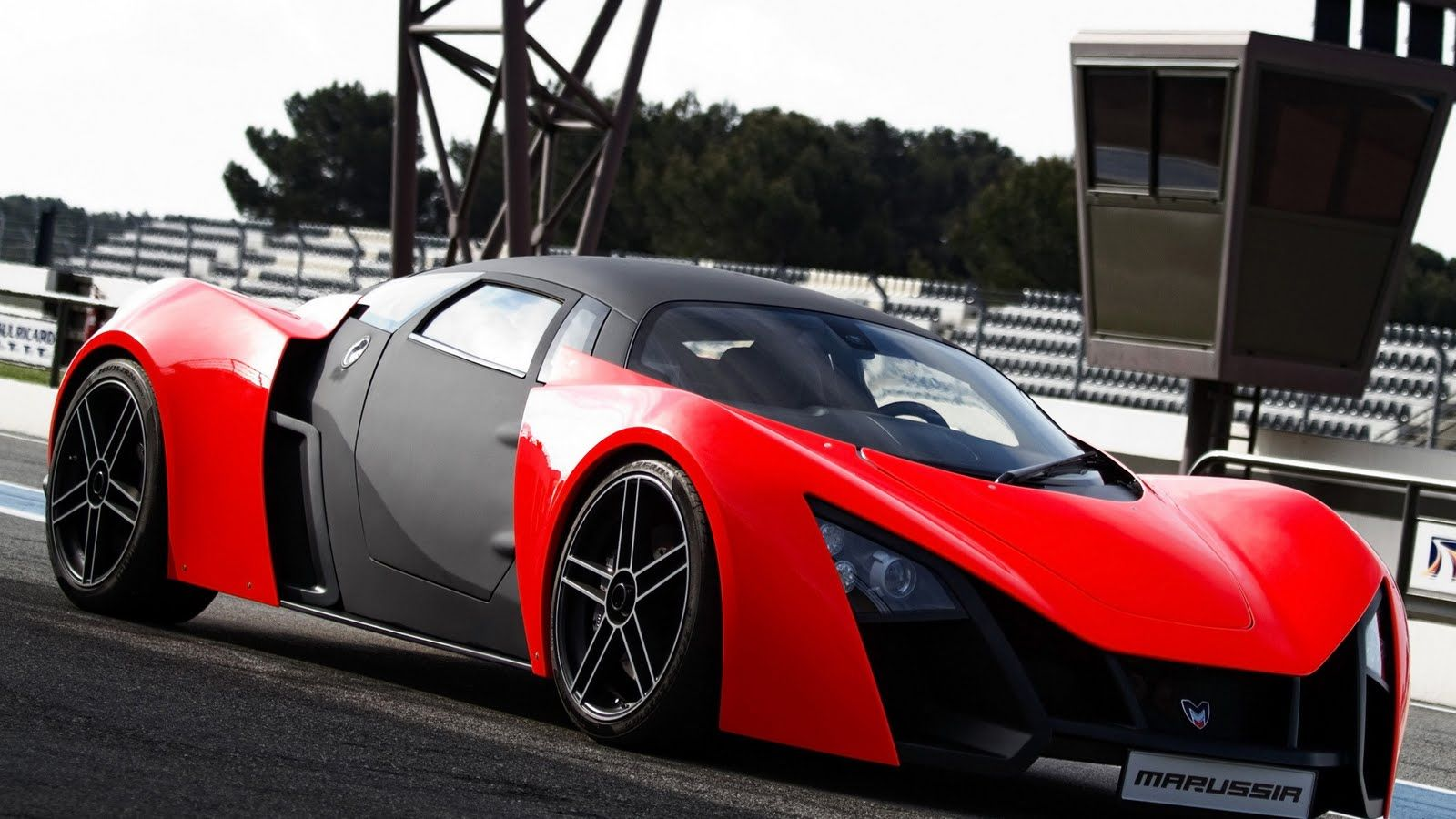 Supercars HD Wallpapers Free Download