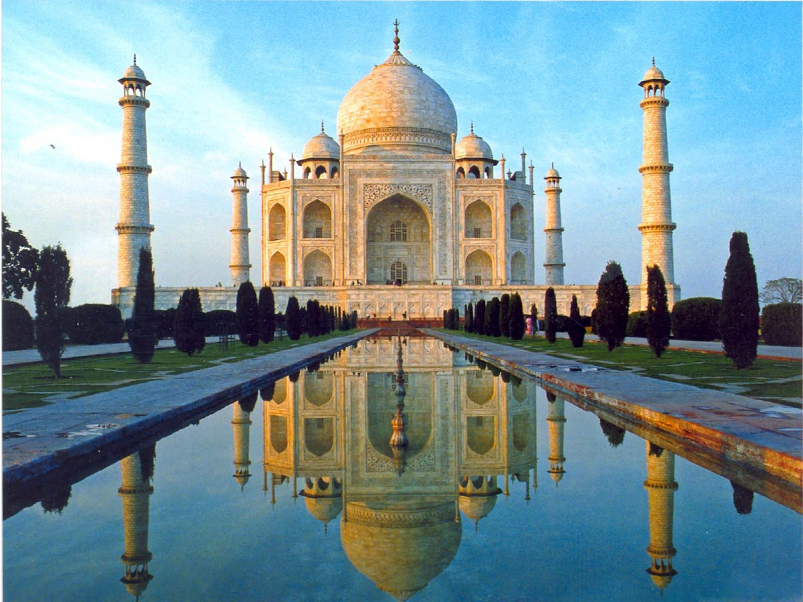 essay on the beauty of tajmahal 1 a green buffer zone was established around the taj mahal and prohibits the construction of industrial plants and supports the planting of trees and shrubs.