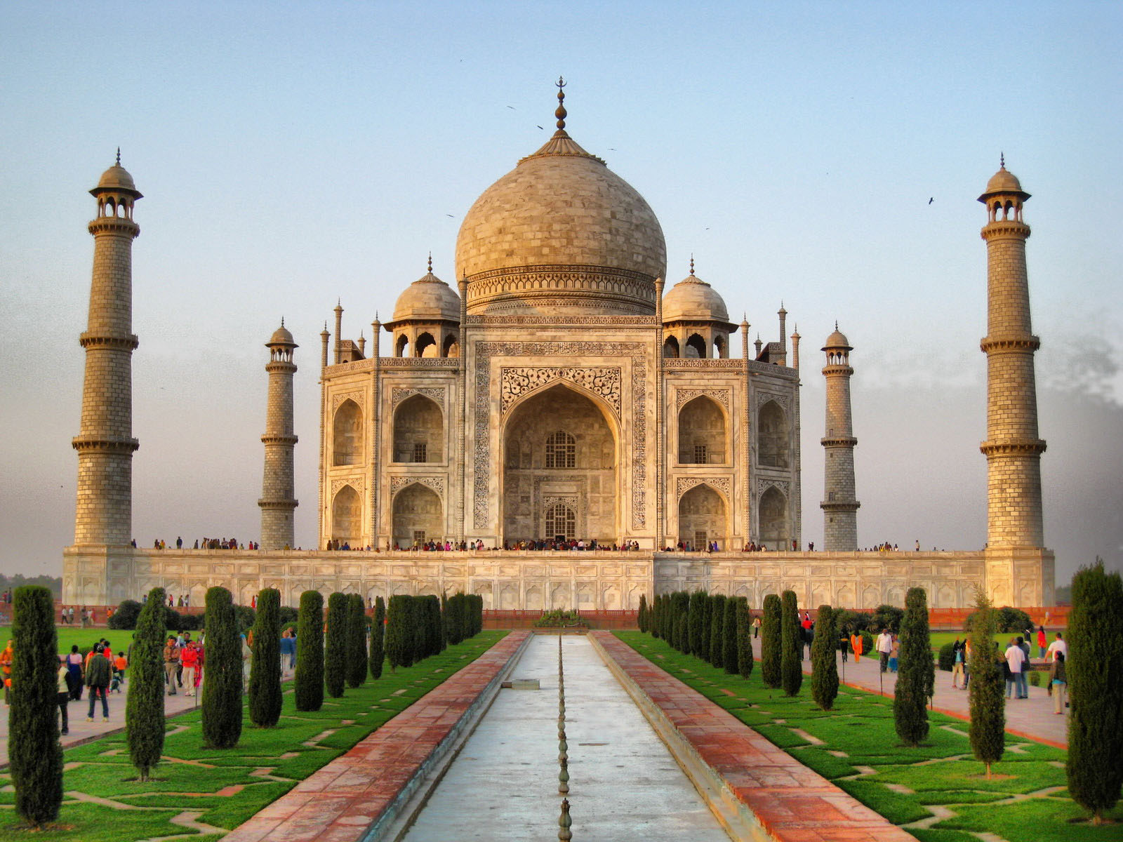 the threat to the beauty of taj mahal
