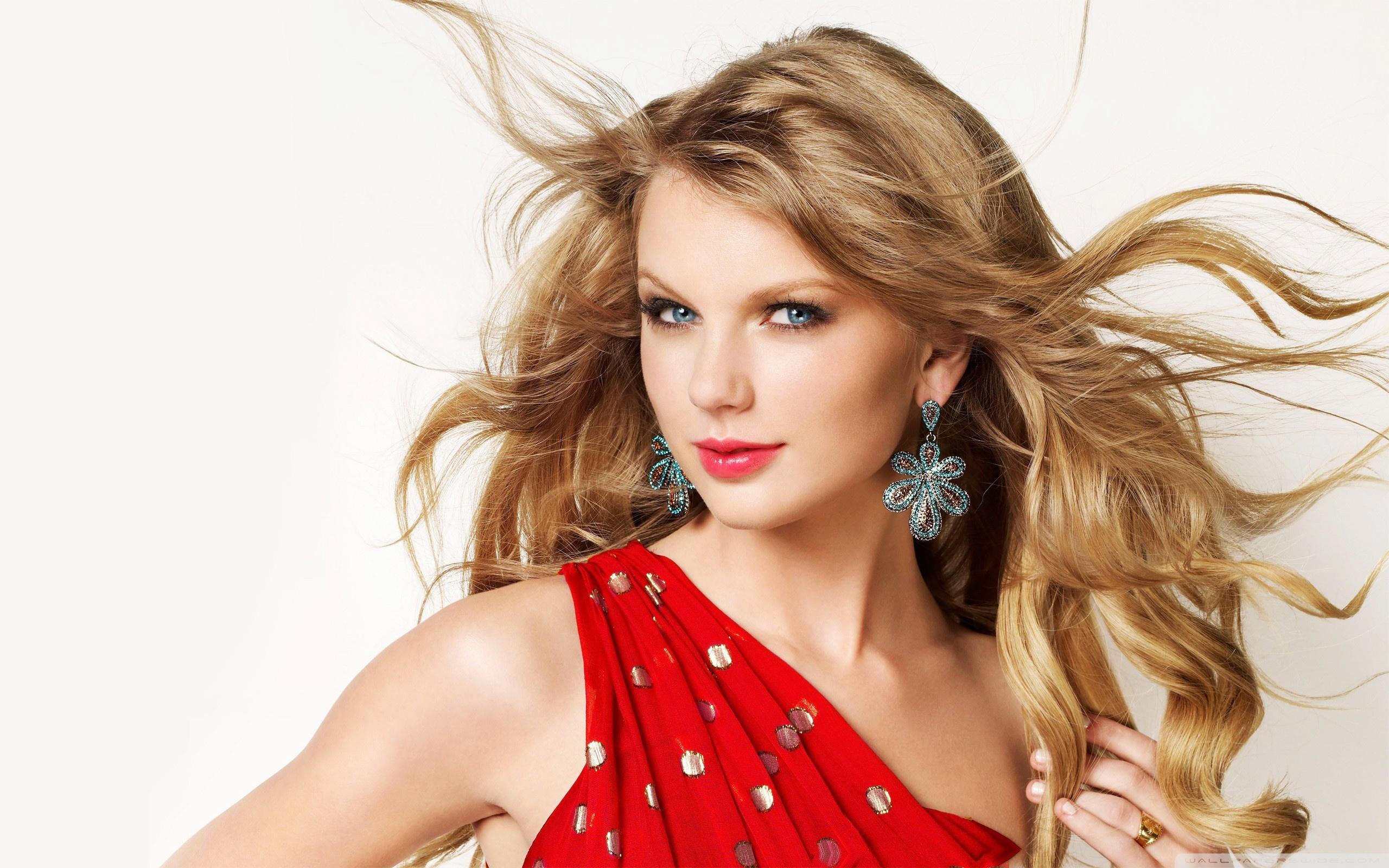 Taylor Swift Latest Wallpapers