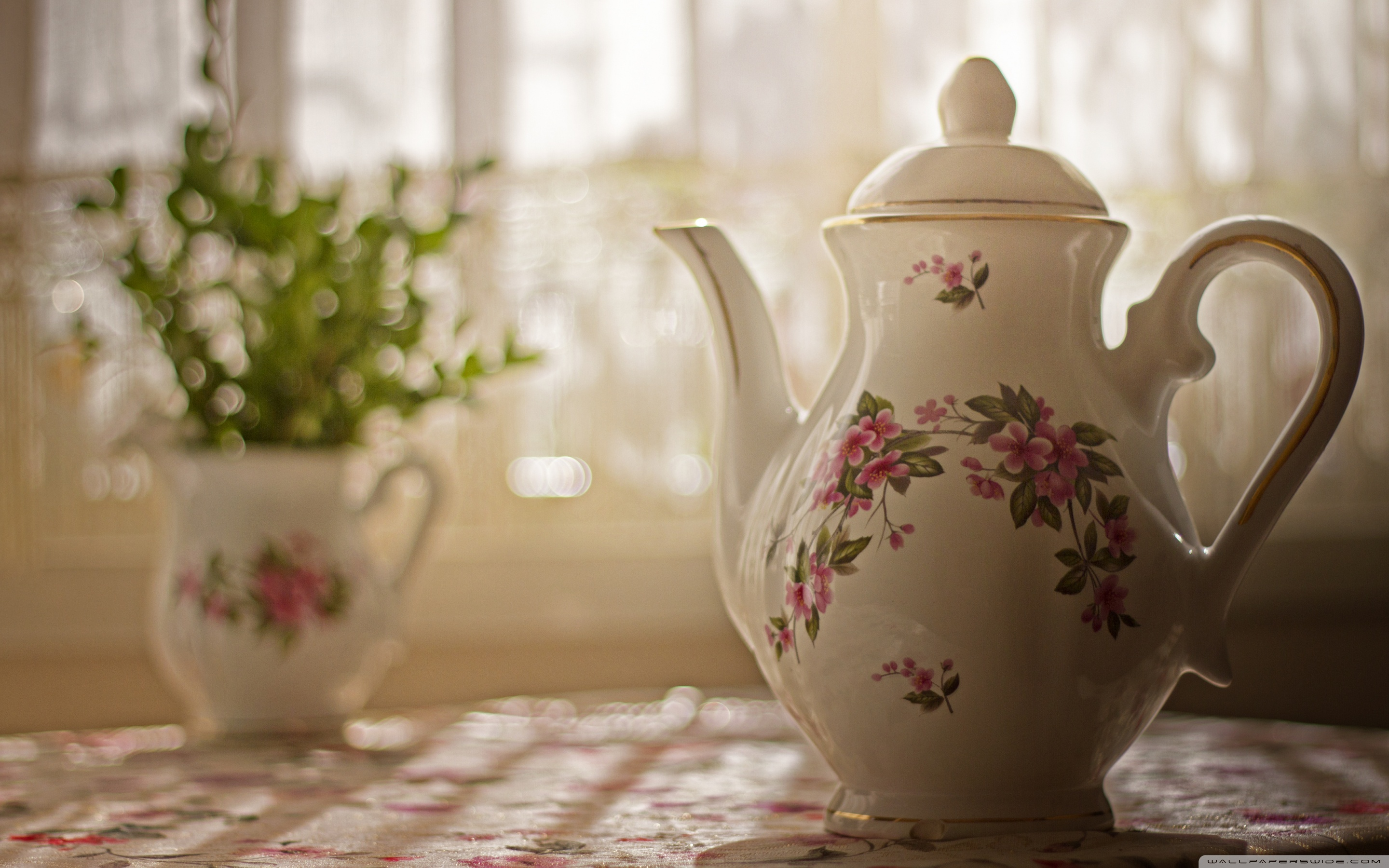 Teapot Wallpaper
