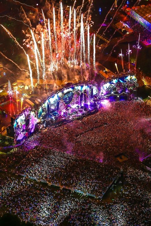 Download Tomorrowland ...