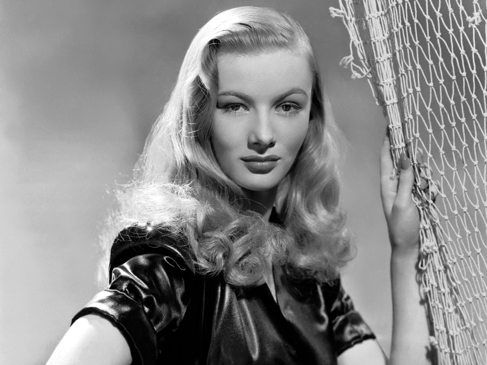 Veronica Lake Wallpaper