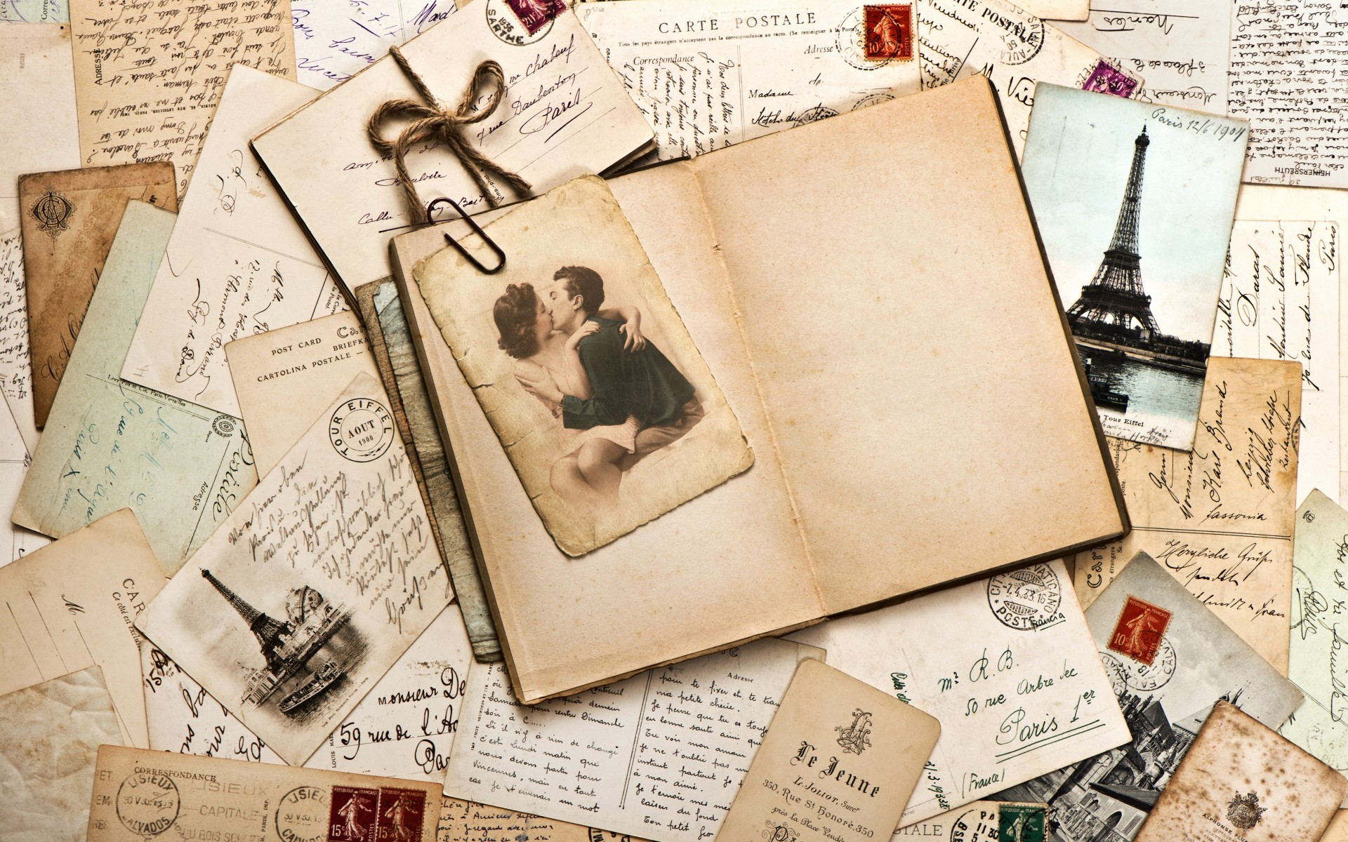 Vintage Love Letter Wallpaper