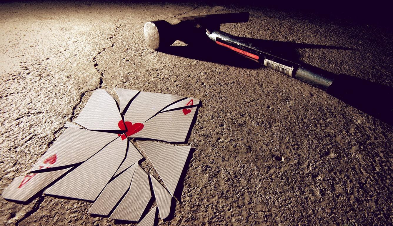 Wallpaper Broken Love