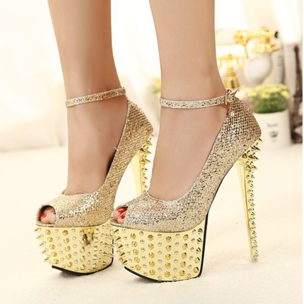 Black and gold heels shoes