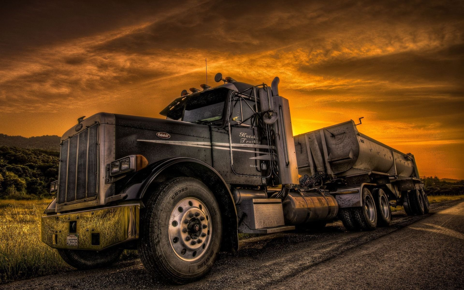 Wallpaper Trucks