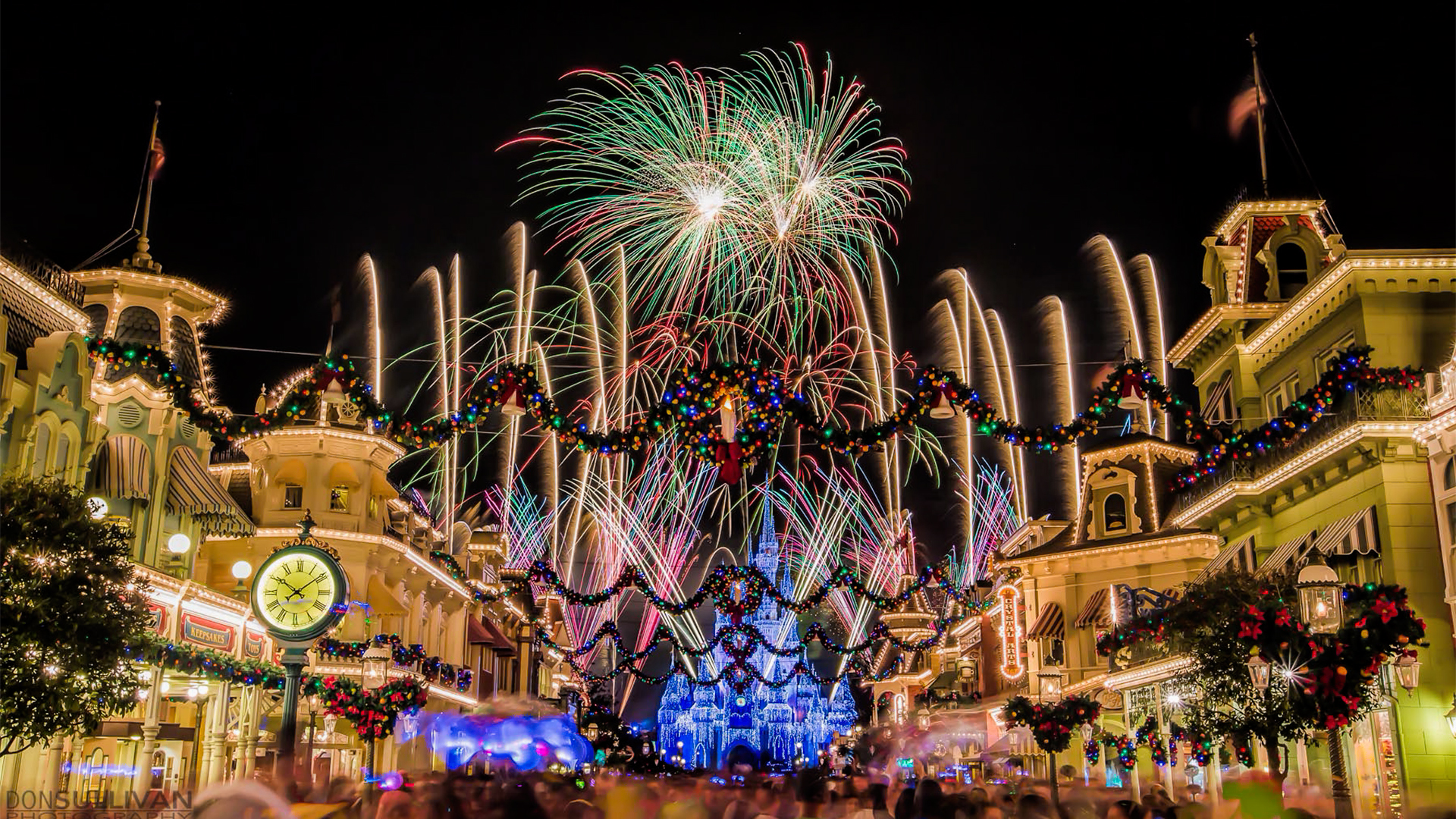 download walt disney world christmas wallpaper gallery