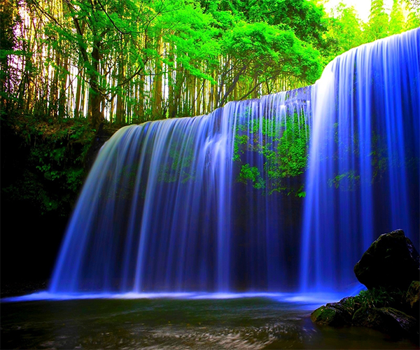 Water Falling Live Wallpaper