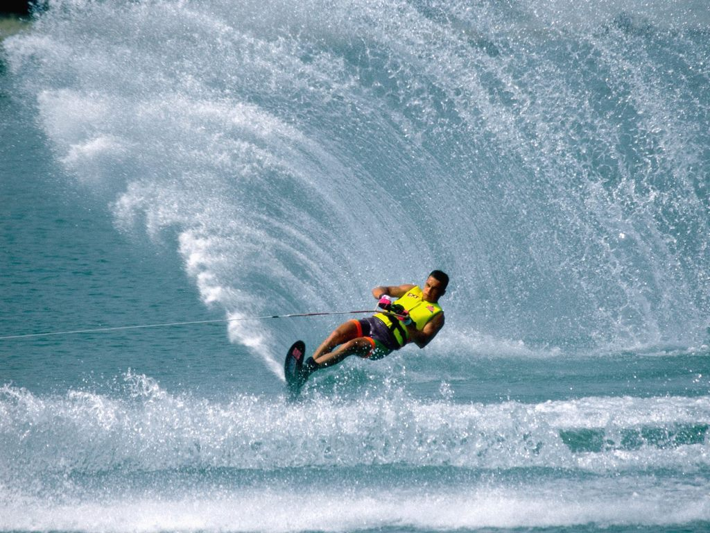 Water Skiing Wallpaper