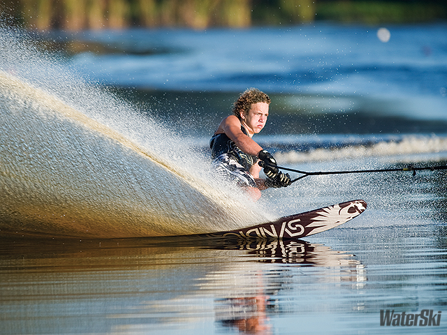 Water Skiing Wallpaper Pictures