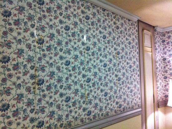 Where To Buy Wallpaper In Store