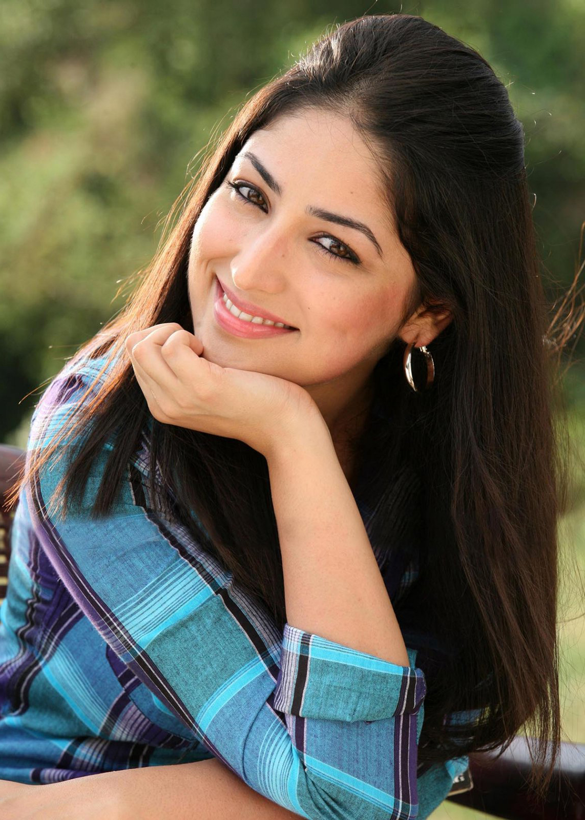 Download Yami Gautam Hd Wallpaper Download Gallery Glitter Wallpaper Creepypasta Choose from Our Pictures  Collections Wallpapers [x-site.ml]