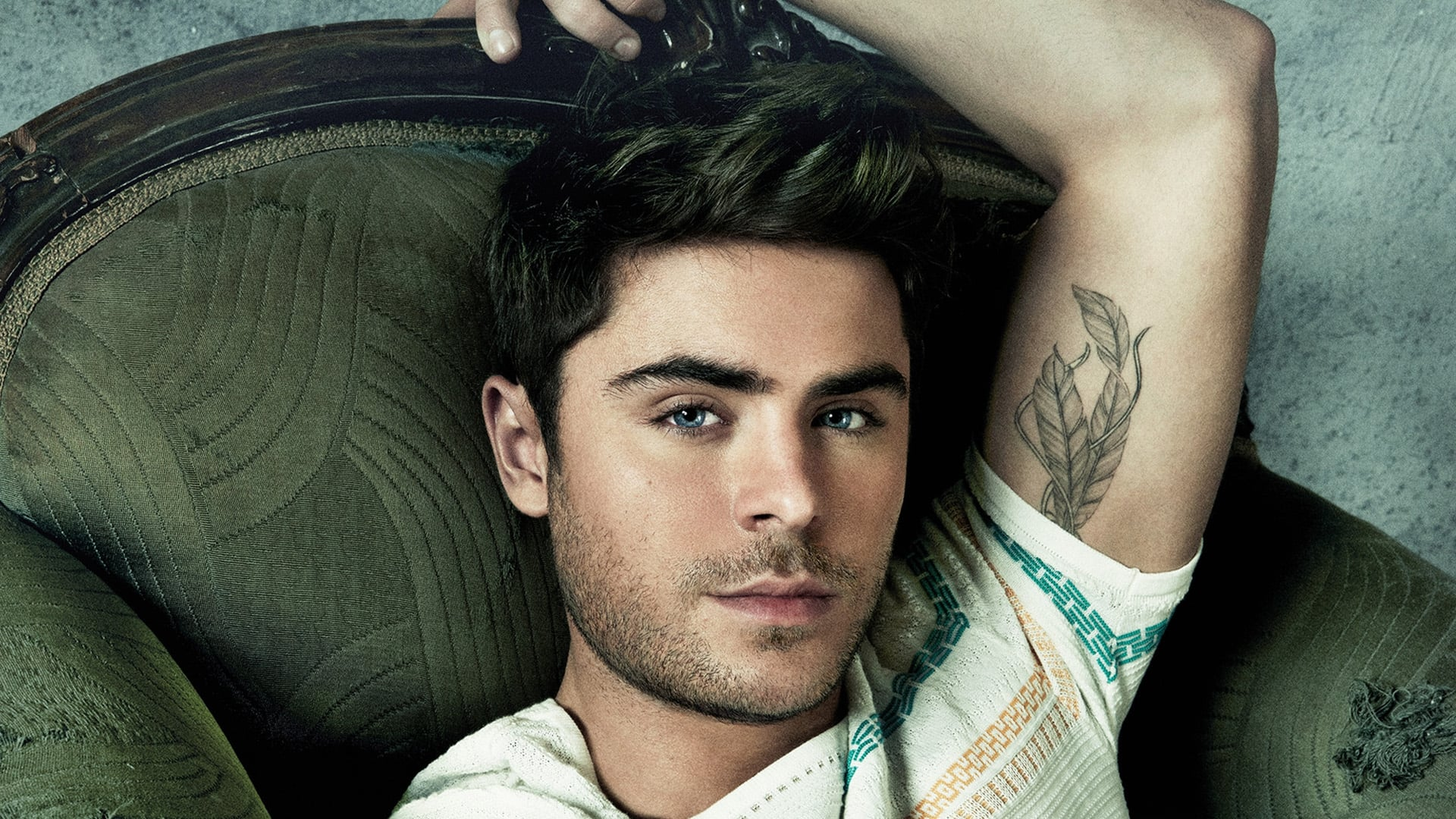 Zac Efron-Wallpapers