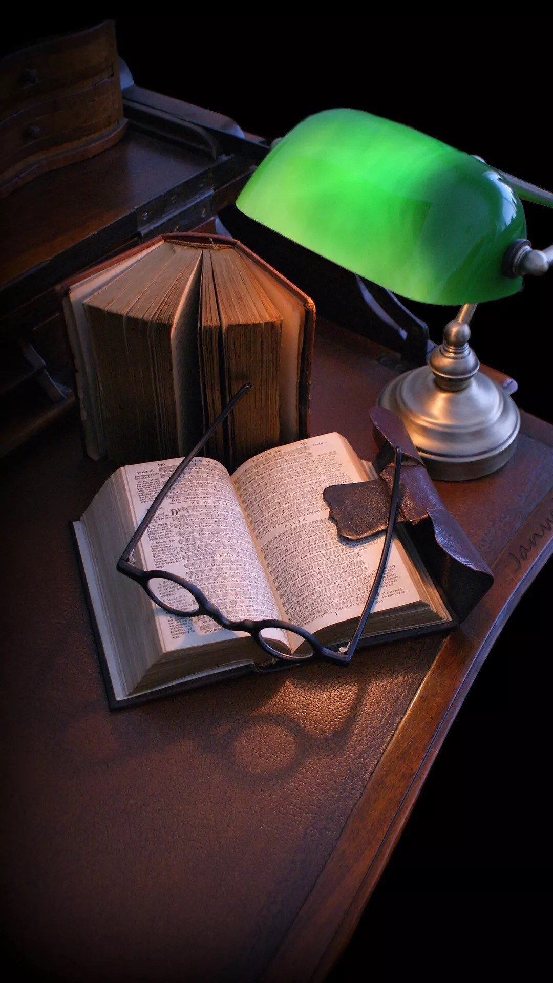 Book Wallpapers iPhone