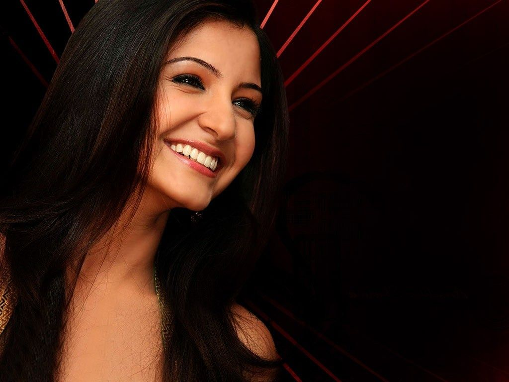 Free Download HD Wallpapers Of Actress